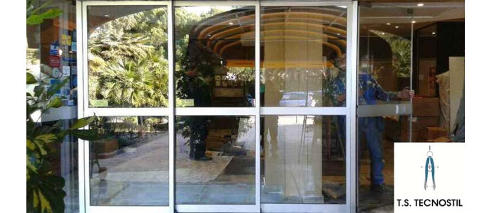 Porta telescopica Hotel Bahia
